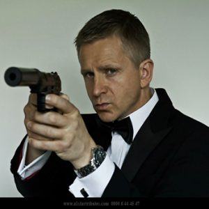 Daniel Craig Lookalike Max – Nobody Does It Better!