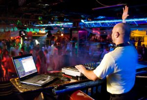 A1 Provides only top DJ professionals
